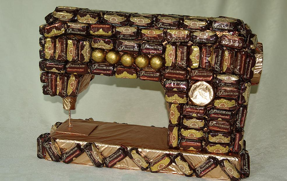 Букеты из гофрированной бумаги с конфетами своими руками фото